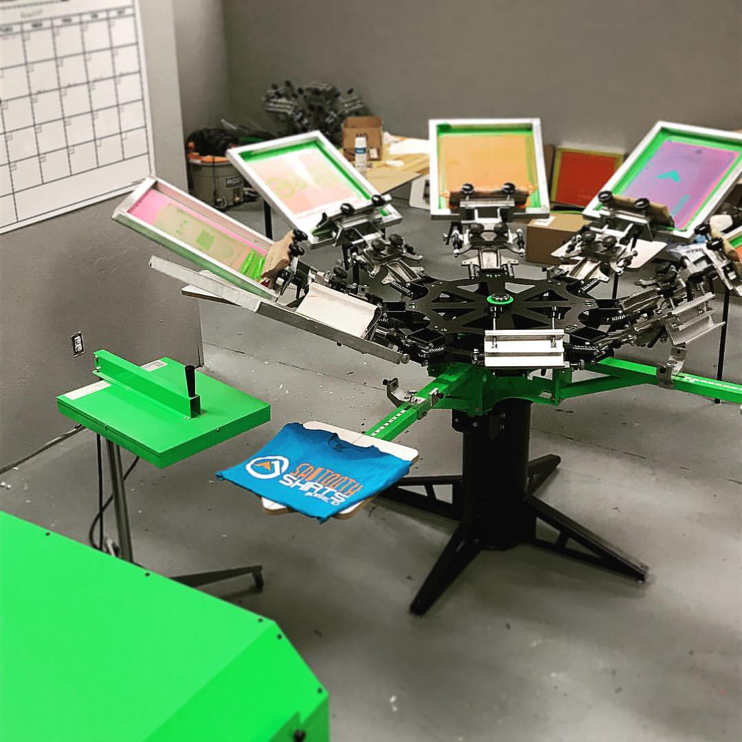 Sawtooth Shirts Screen Printing Machine Picture